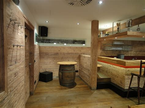 badezimmermöbel rustikal schwarzes bett wandfarbe