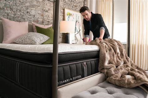jonathan scott mattress hgtv property brothers jonathan scott s decor ideas
