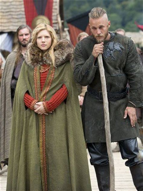 lagertha lothbrok how to dress like her black leather vest the vikings and female clothing on