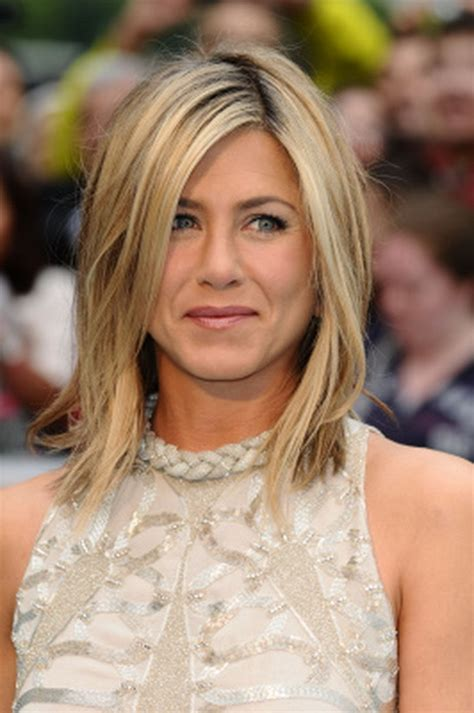 above the shoulder hairstyles shoulder length layered haircuts long hairstyles