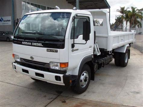 Udel Search White 2005 Ud Nissan Mk175t Tipper Truck Ud Nissan Truck Photos