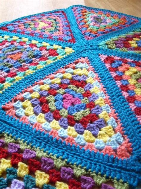 pattern for granny triangle 75 best images about afghans granny triangle crochet