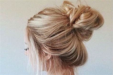 how to do long hairstyles 4 steps to do a messy bun with long hair beauty epic