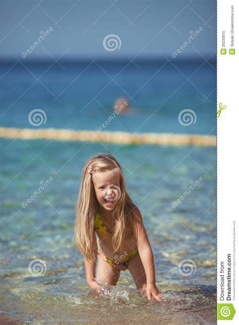Bathtub Water Filters Little Girls No Bathing Suits Girls Wallpaper