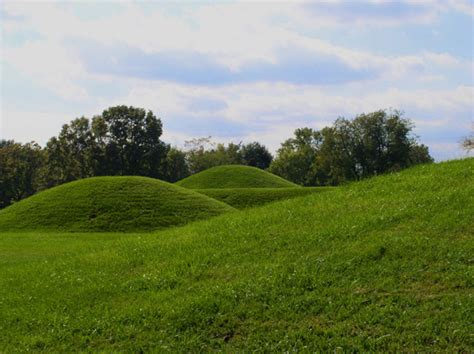 Ks Adena file mound city chillicothe ohio hroe 2008 jpg wikimedia