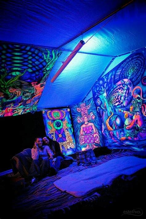 trippy bedroom decor black light room awesome rooms pinterest dyes black