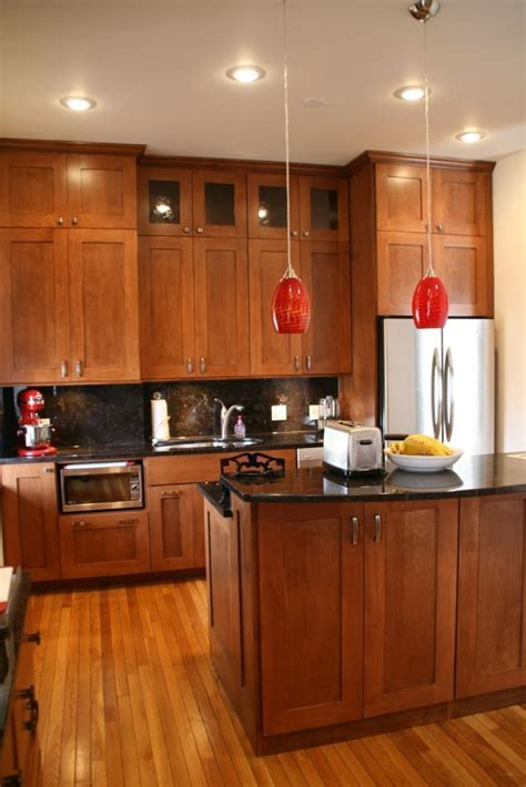 cherry wood küchenschränke mit schwarzem granit die besten 25 kirschholzschr 228 nke ideen auf