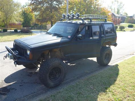 survival jeep cherokee bug out vehicle
