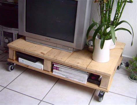Palette Furniture by 20 Amazing Diy Ideas For Pallet Table Wooden Pallet