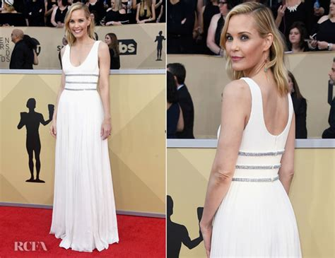 Catwalk To Carpet Sag Awards by Leslie Bibb In Prada 2018 Sag Awards Carpet