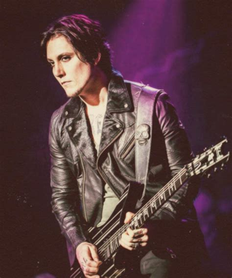 synyster gates hair synyster gates by caah97 438 best avenged sevenfold images on pinterest avenged