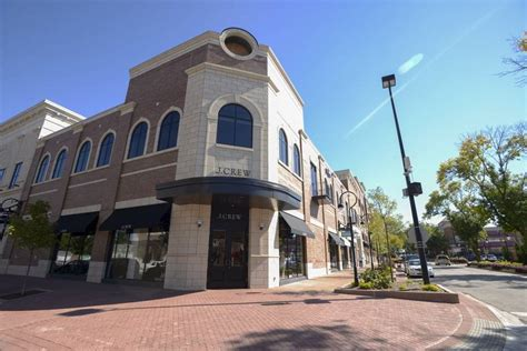 downtown naperville parking downtown naperville gets three new businesses