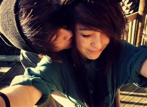 wallpaper of cute emo couple emo couple kiss emo wallpapers of emo boys and girls