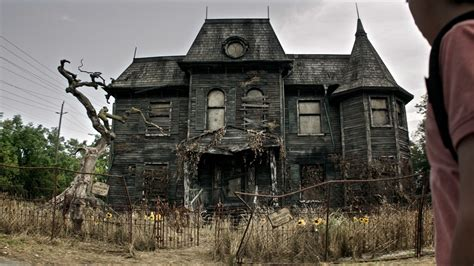 house movies the 19 scariest freakiest haunted houses in movies and tv