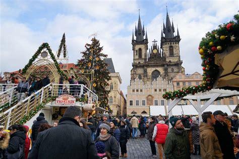 beautiful     prague  december christmas