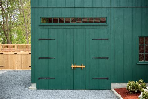 Hinged Barn Doors 20x24 Post Beam Carriage Barn Medfield Ma The Barn Yard Great Country Garages