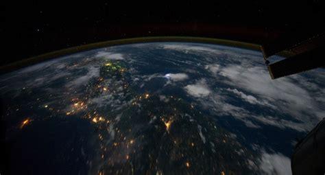 imagenes satelitales reales en vivo un canal emite en directo la tierra desde el espacio