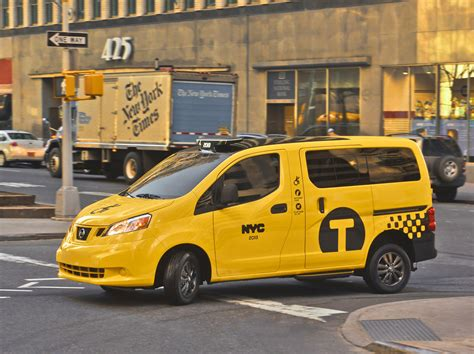 nissan nv200 taxi 2014 nissan nv200 mobility taxi photo gallery autoblog