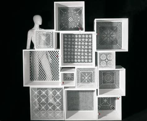 como decorar muebles nuevos cajas puntilla c 243 mo decorar cubos de exposici 243 n en los