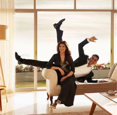 Twinkle Khanna Posts An Adorable Video For Akshay Kumar On