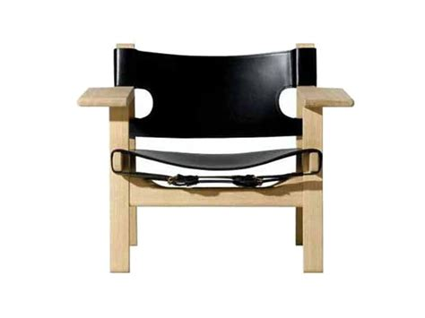 ergonomic armchairs easy chair with armrests the spanish chair by fredericia furniture design b 216 rge mogensen