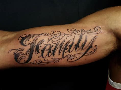 family tattoo lettering designs chronic ink tattoo toronto tattoo quot family quot tattoo done