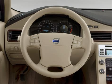 volvo steering wheel 2010 volvo s80 reviews and rating motor trend