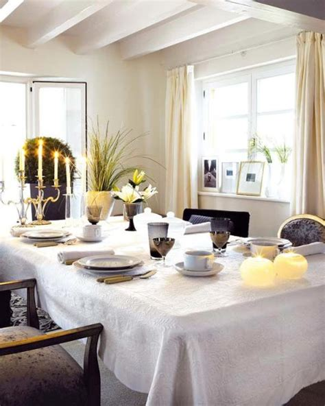 How To Decorate Your Dining Room Table | how to decorate dining room tables interior design