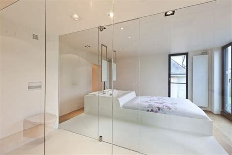 verriere interieure 334 smalle moderne badkamer in een slaapkamer badkamers