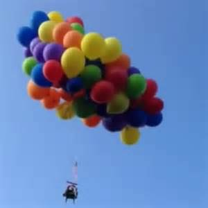 Lawn Chair Balloon by Flying Lawn Chair Stunt With Balloons Sees Canadian