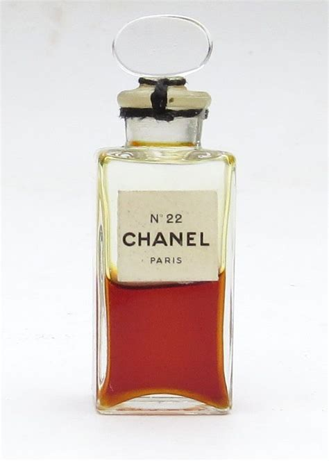 Jual Parfum Miniatur Chanel vintage chanel no 22 mini perfume bottle with glass stopper sealed 1 2 chanel perfume