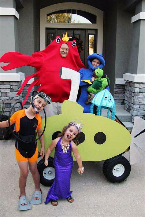 group halloween costumes  family halloween costume