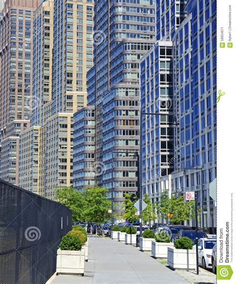 Manhattan Apartments High Rise Tightly Packed High Rise Apartment Buildings Manhattan