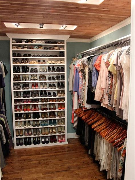 love  idea   bookcase   small walk  closet    feel  lot bigger