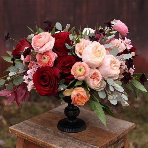 25 best ideas about burgundy wedding flowers on burgundy bouquet fall wedding