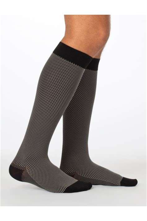 Compression Socks For Travellers Hanukkah Shopping Guide Gifts For Travelers Amazing Journeys