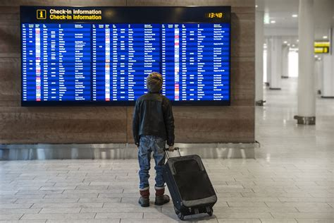 How the Airlines Handle Unaccompanied Minors