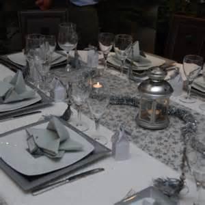 Table De Noel Blanc Et Argent