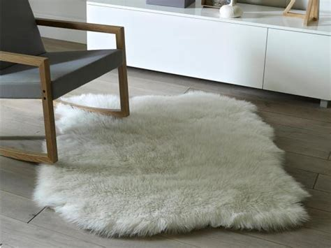 How To Clean Faux Sheepskin Rug by 9 Best Faux Fur Rugs The Independent