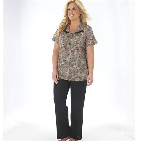 Vanity Fair Sleeve Pajamas by Vanity Fair S Sleeve Pajamas Safari Print