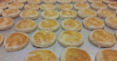 Minyak Kacang Almond resep kue kacang almond oleh ditaakaray cookpad