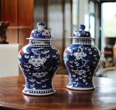 vasi cinesi antichi due antichi vasi cinesi in vendita da tarabacli a parma