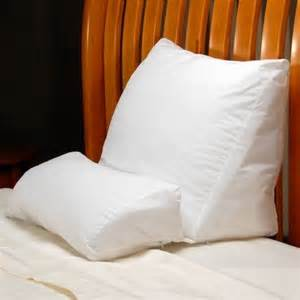 reading in bed pillows pin by brittany on home decor ideas pinterest