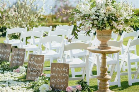 Wedding Aisle Marker Decoration by 38 Chic And Ceremony Aisle Markers Praise Wedding