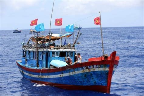 types of vietnamese boats vietnamese fishermen captured by china released society