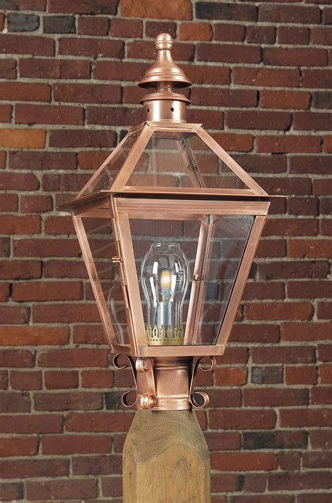 Reproduction Colonial Copper Post Light Lights