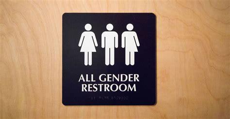 All Gender Bathroom by Cv Loop Judge Halts Obama S School Bathroom Mandate