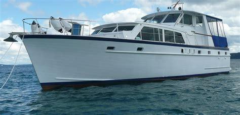 matthews flush deck tri cabin motor yacht  sale yachtworld