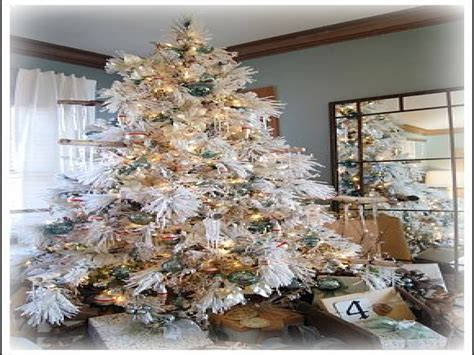 white flocked christmas tree decorating ideas white christmas ideas for decorating snow flocked