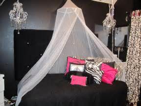 bling glam bedroom for the girly with